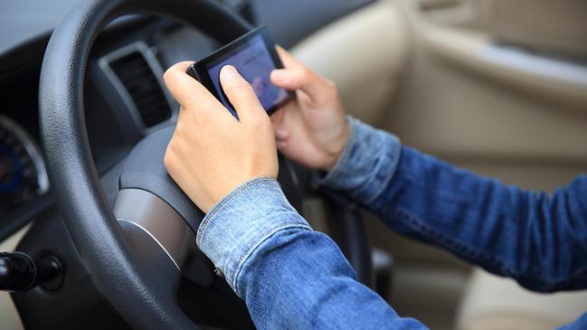 كيفية تجديد رخصة القيادة إلكترونيا في الكويت  - كراسة