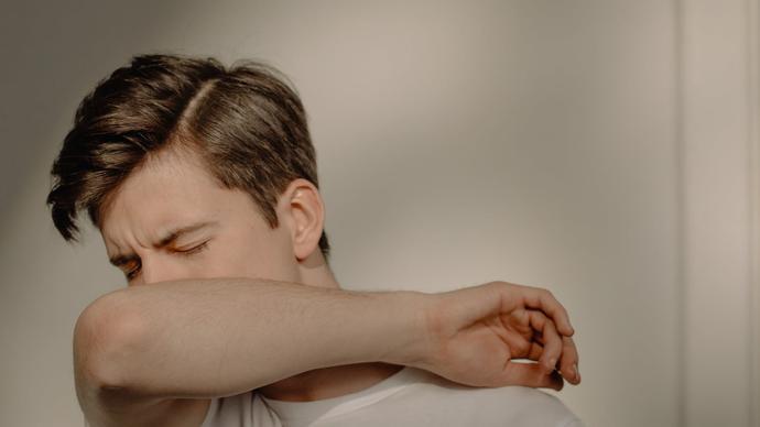 طرق علاج السعال بدون بلغم