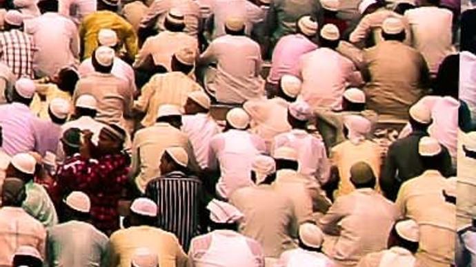 فضل الصلاة على النبي يوم الجمعة وليلتها