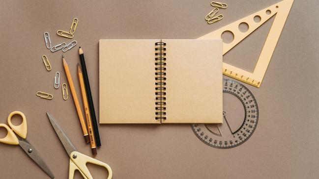 كتابة خبر صحفي عن المدرسة - كراسة