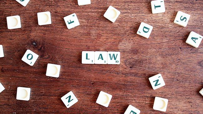 ما أبرز الحقوق التي أكد عليها دستور دولة الإمارات - كراسة