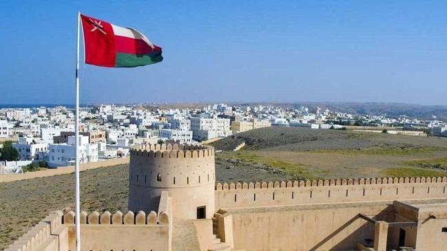 اول مدرسة نظامية في سلطنة عمان - كراسة
