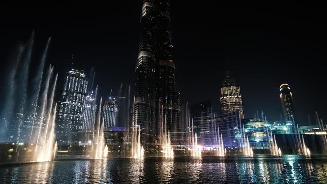 كم طابق برج خليفة .. التقسيم الداخلي لبرج خليفة - كراسة