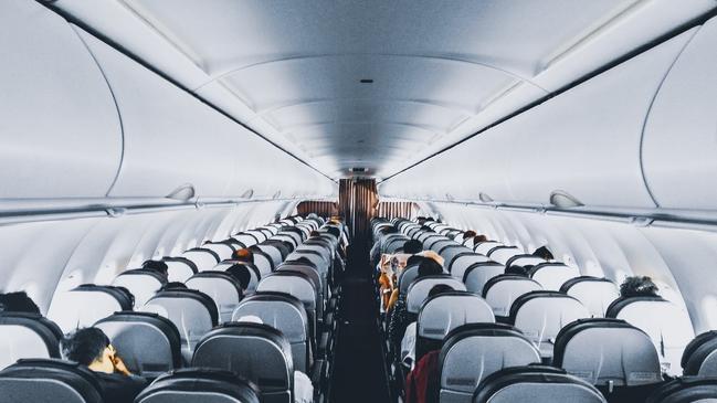 استعلام عن حجز برقم التذكرة مصر للطيران - كراسة
