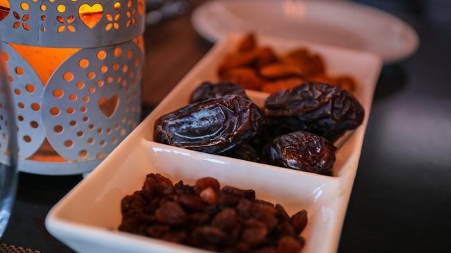 عبارات مبروك عليكم شهر رمضان 2021  - كراسة