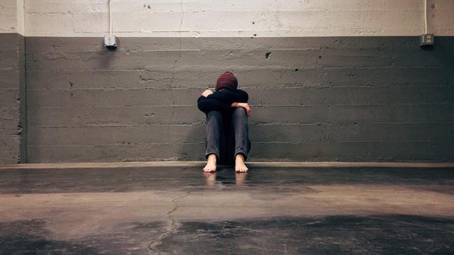 تفسير حلم ضرب الزوج لزوجته في المنام وعلاقته في خيانة الزوج بالواقع - كراسة