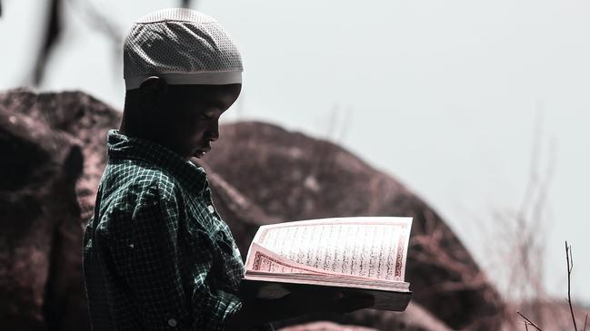 تحفيظ القرآن الكريم للأطفال .. متى ابدأ مع طفلي حفظ القرآن الكريم - كراسة