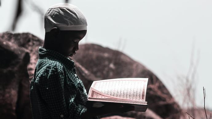 تحفيظ القرآن الكريم للأطفال .. متى ابدأ مع طفلي حفظ القرآن الكريم