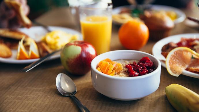 فضل تأخير السحور وتعجيل الفطور