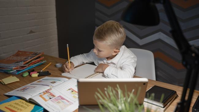 تقرير عن سير العمل في المدرسة - كراسة