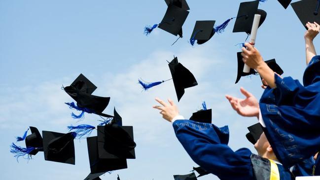خطبة محفلية عن التخرج  - كراسة