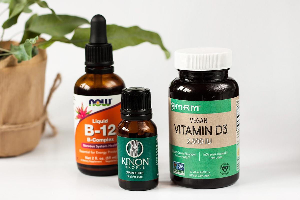 wegańskie witaminy: B12 (B complex) w kroplach, witamina K w płynie i witamina D3 zimowe suplementy na odporność