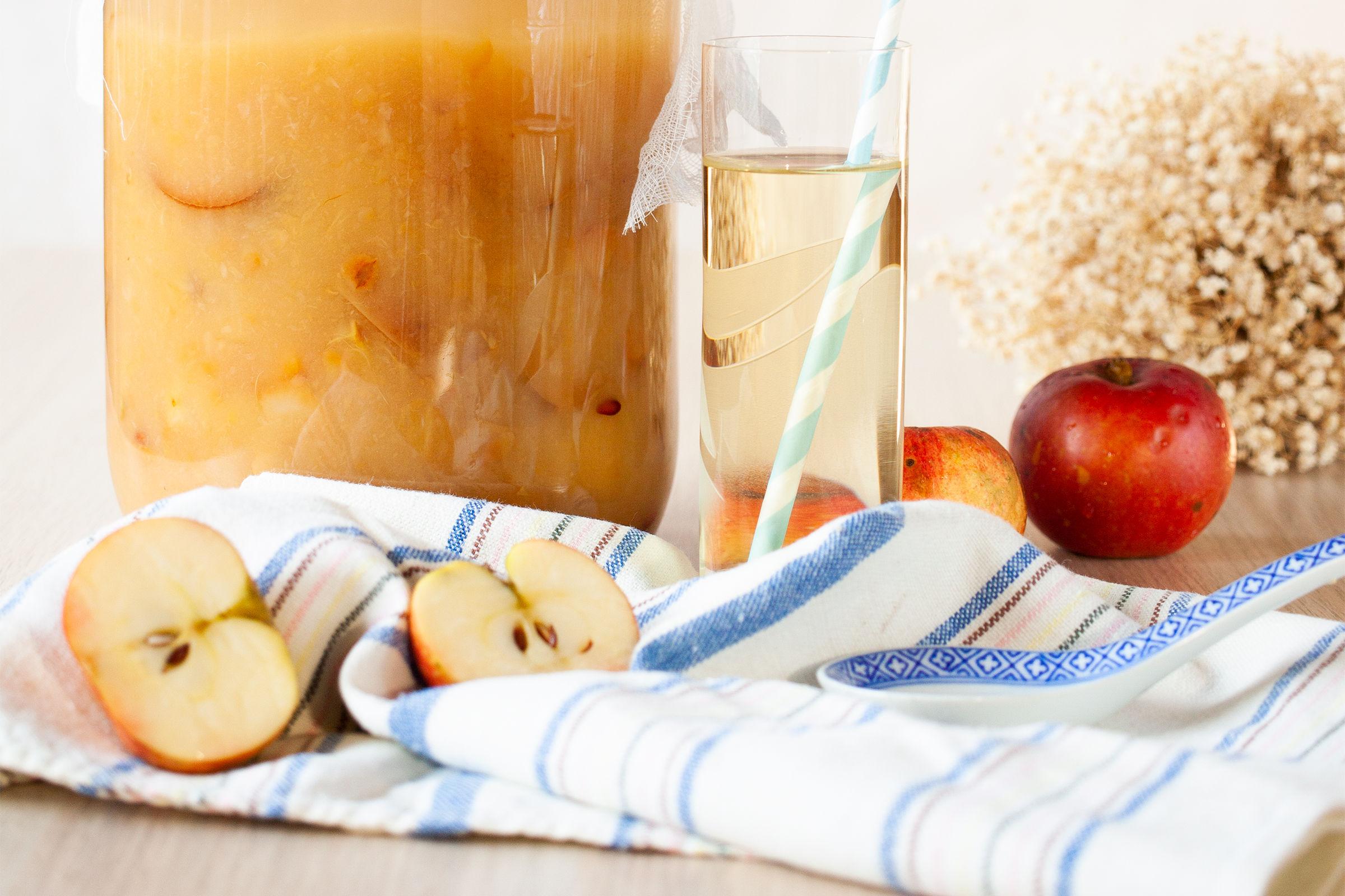 fermentujacy ocet jabłkowy