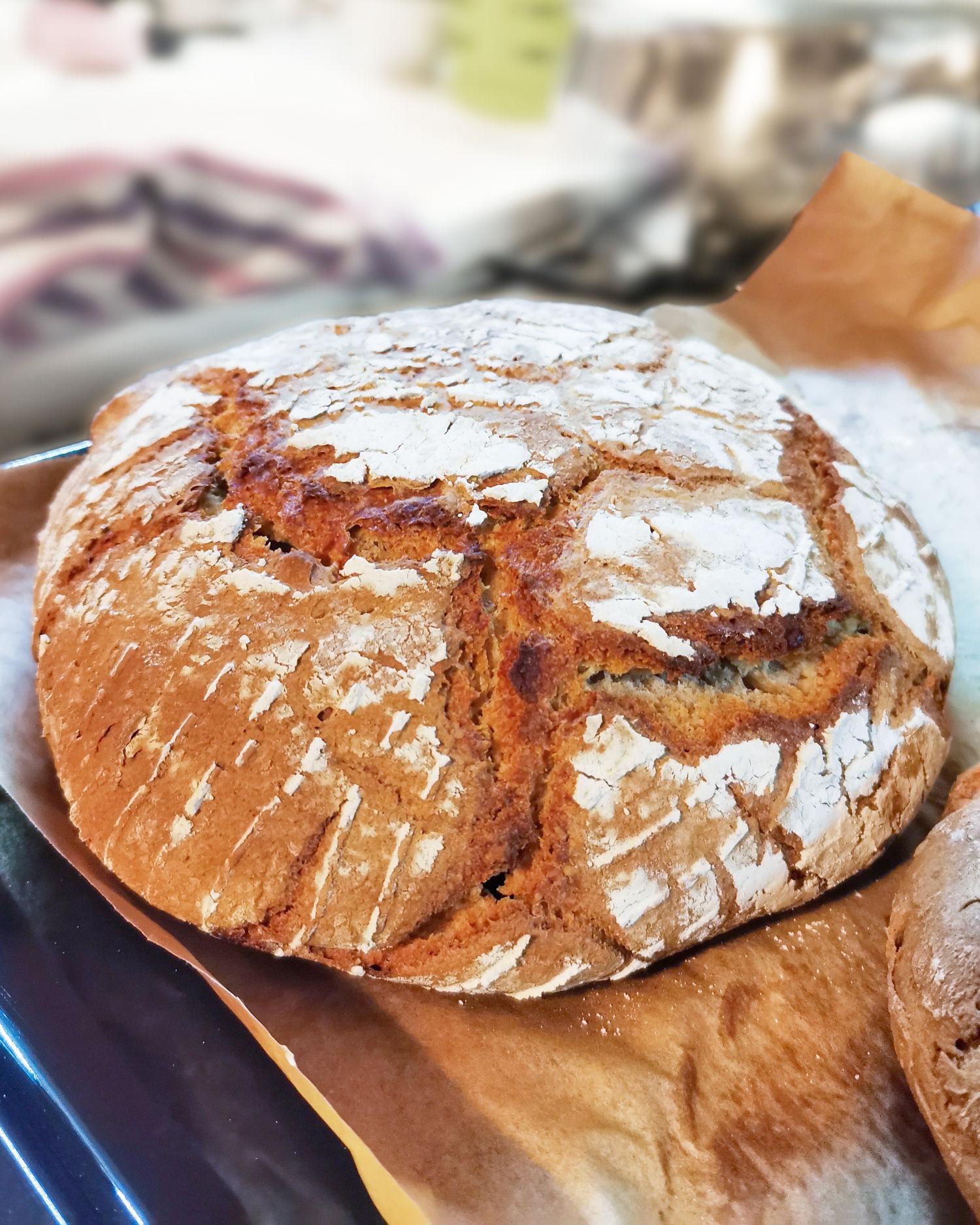 chleb pszenny na zakwasie bez formy