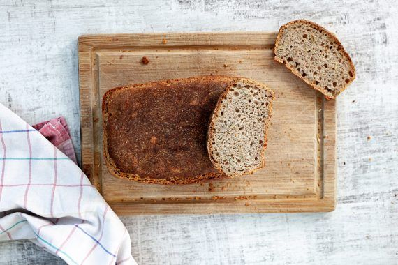 chleb pszenny na zakwasie z formy