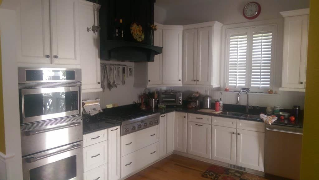 L-shape kitchen cabinet layout