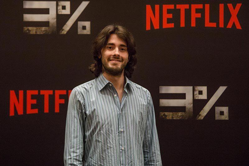 """Onisciente: Netflix anuncia nova série dos mesmos roteiristas de """"3%""""."""