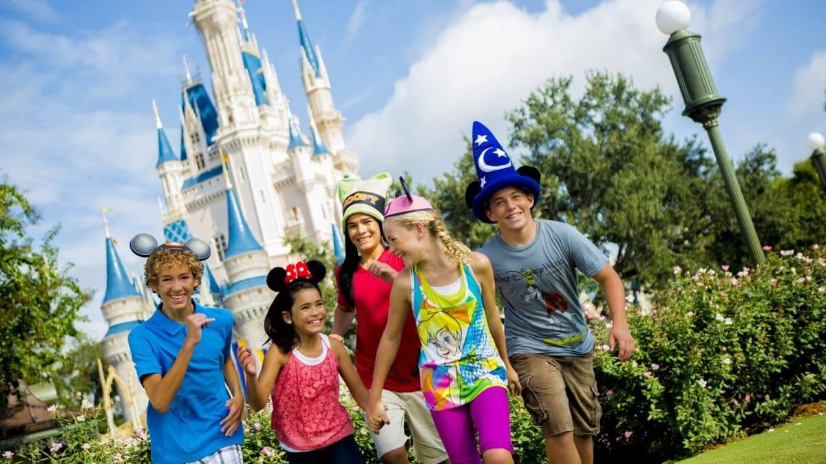 Disney World marca data de reabertura de parques