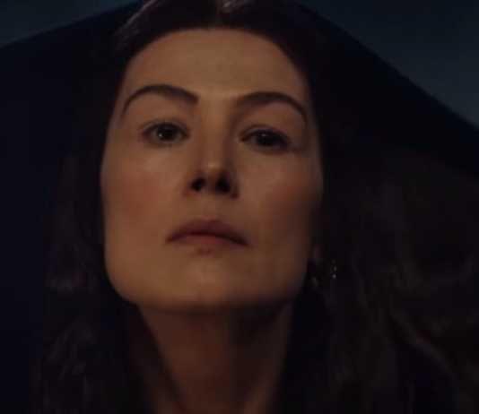 Rosamund Pike em A Roda do Tempo do Prime Video teaser trailer
