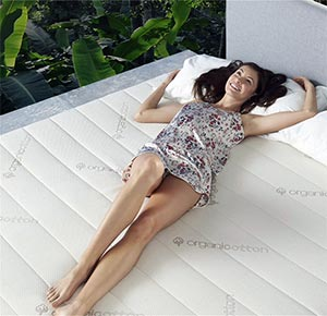 girl smiling on the zenhaven mattress