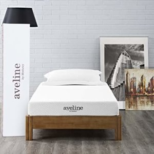 Image: Aveline mattress with the box it came in