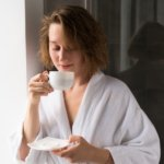 Are Night Showers or Morning Showers Better for Sleep?