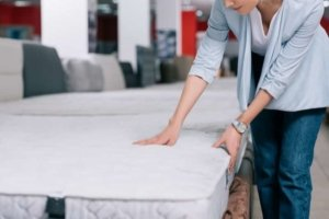 Choosing the Right Firmness Level for Your Mattress