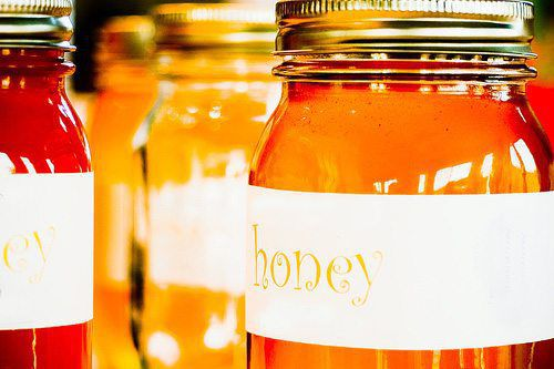 honey for allergies, local beekeepers, honey, benefits of honey, natural remedies for allergies
