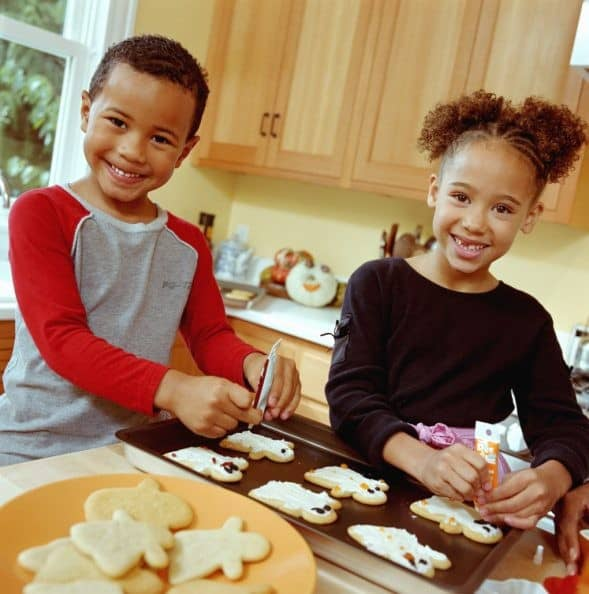 Family Meals are Key to Mental Health, Mindful Family,bake for family fun month, baking