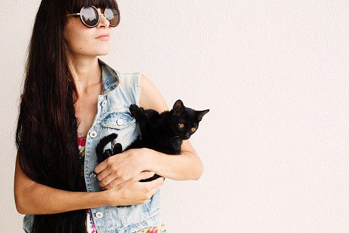 cat ownership, benefits of owning a cat, feline therapy