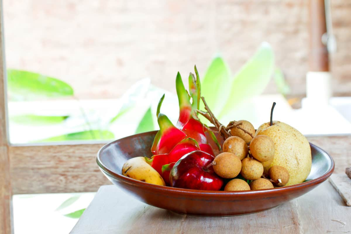 white fruits and vegetables,