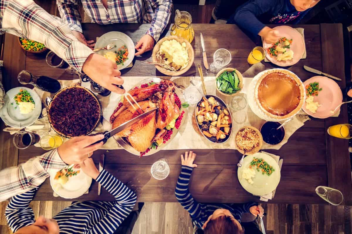 thanksgiving, thanksgiving meals, thanksgiving dishes, family