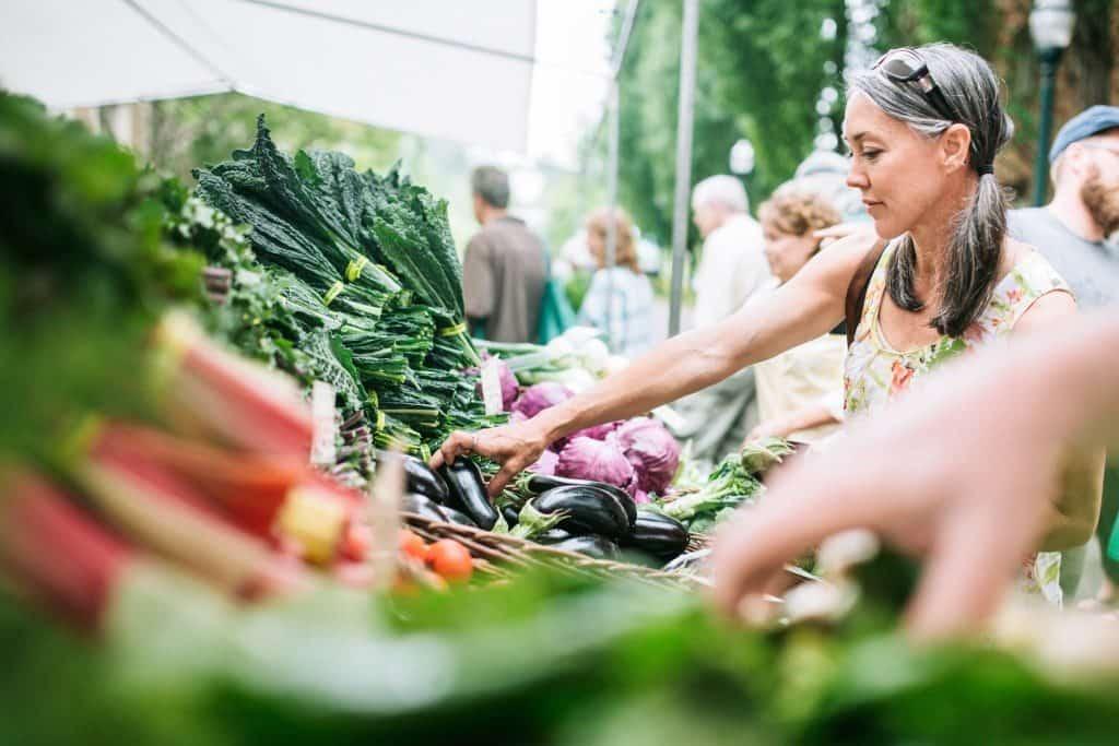 local farmers market, farmers markets today, history of farmers markets,