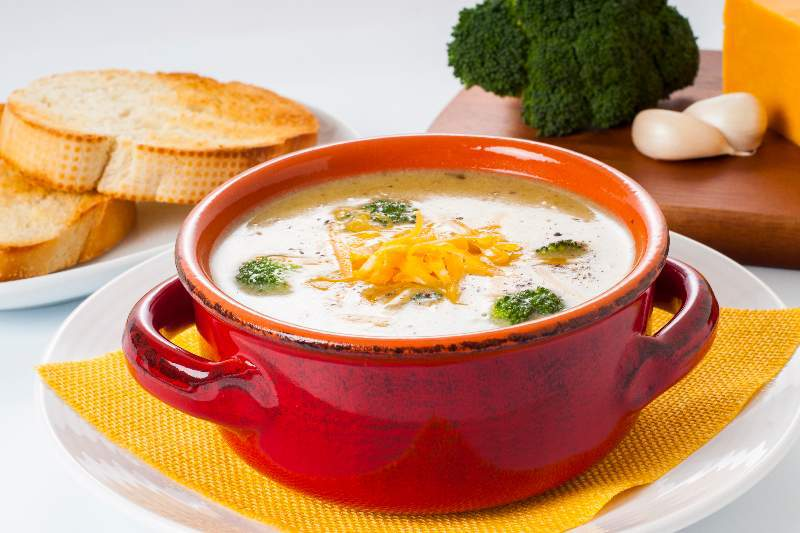 broccoli, cheesy broccoli soup, soup, national soup month