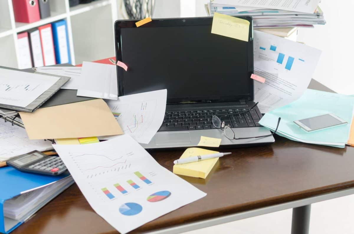Clean Your Desk in 6 Steps