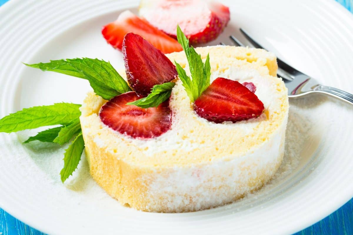 angel food cake, strawberries, national strawberry month, strawberry month