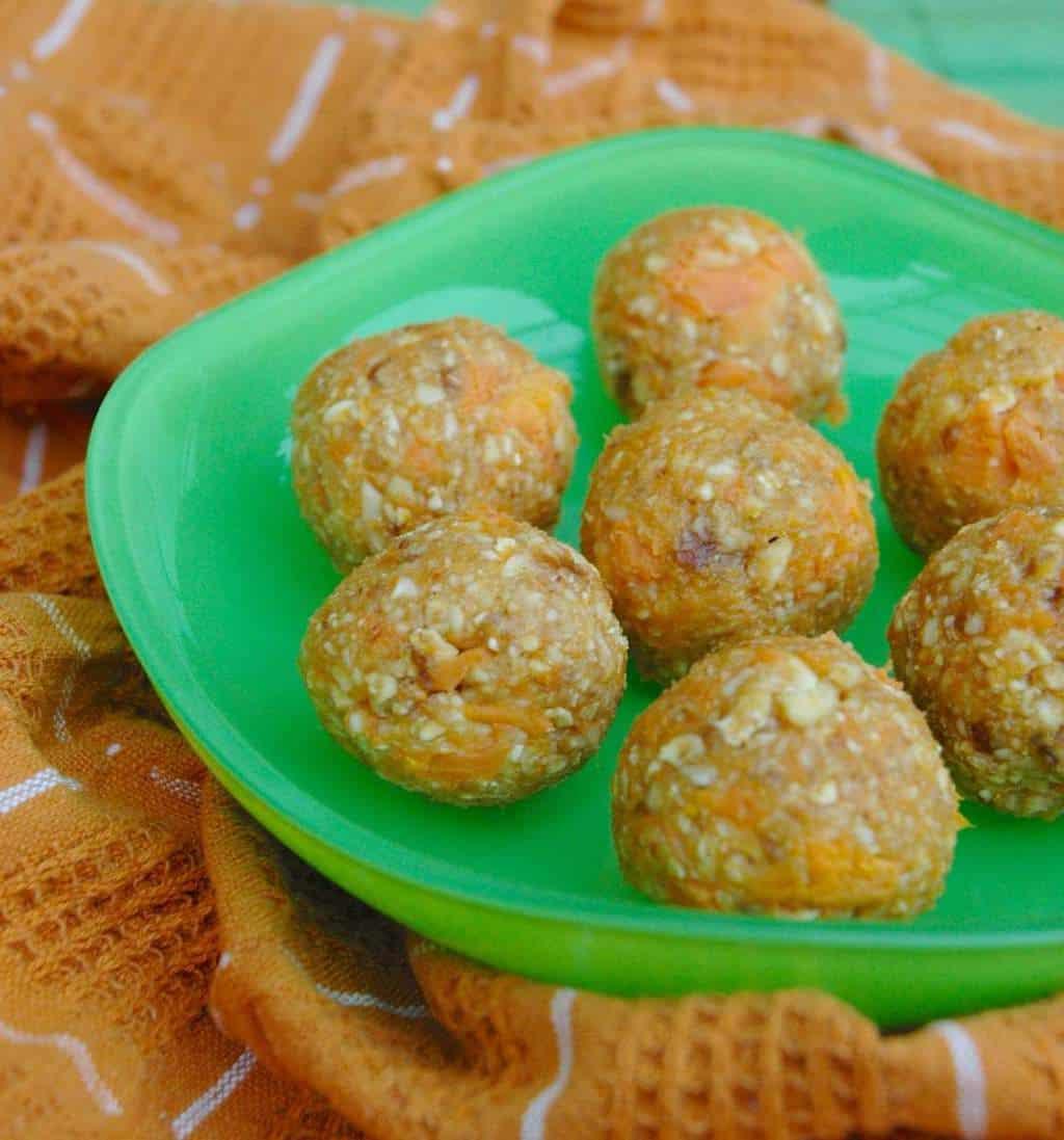 pumpkin spice. fall, oat balls, energy balls