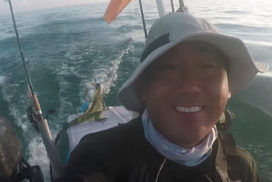 Man Rescues Iguana In Middle of Ocean