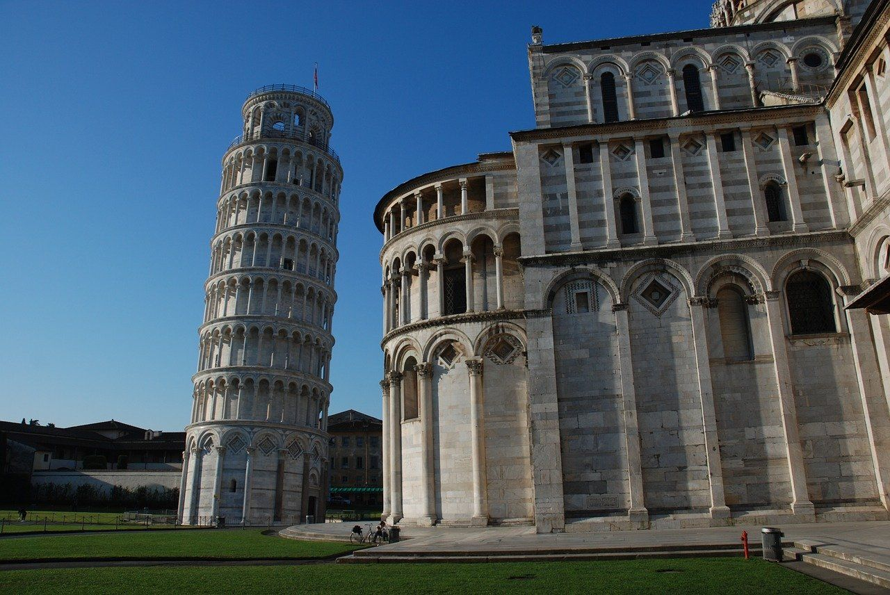 Amazing 360° Tour Inside Leaning Tower of Pisa