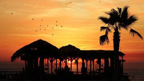 'See the Sunset': Mokulua Islands, Hawaii
