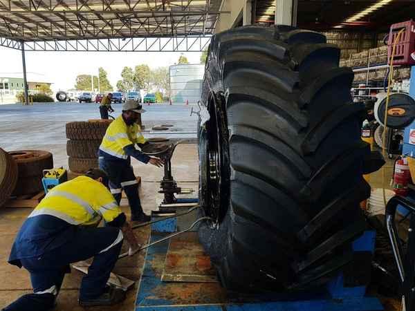 Mike Franklin - Tyres In Eastern Creek 2766