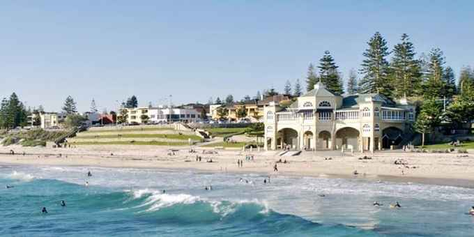 Photo for Ocean Beach Hotel- Hotels in Cottesloe 6011 , Western Australia