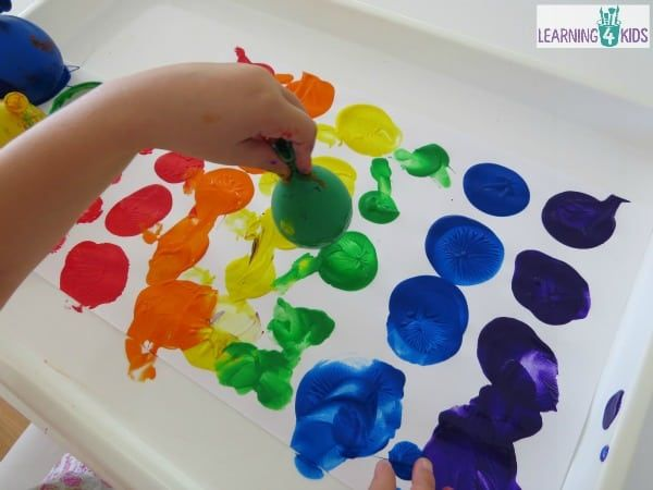 Art-fun-painting-with-balloons