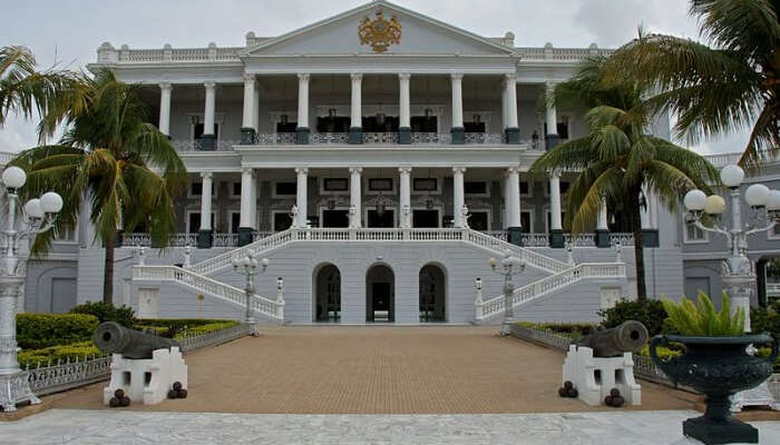 Taj-Falaknuma-Palace Pre-wedding Photoshoot Location