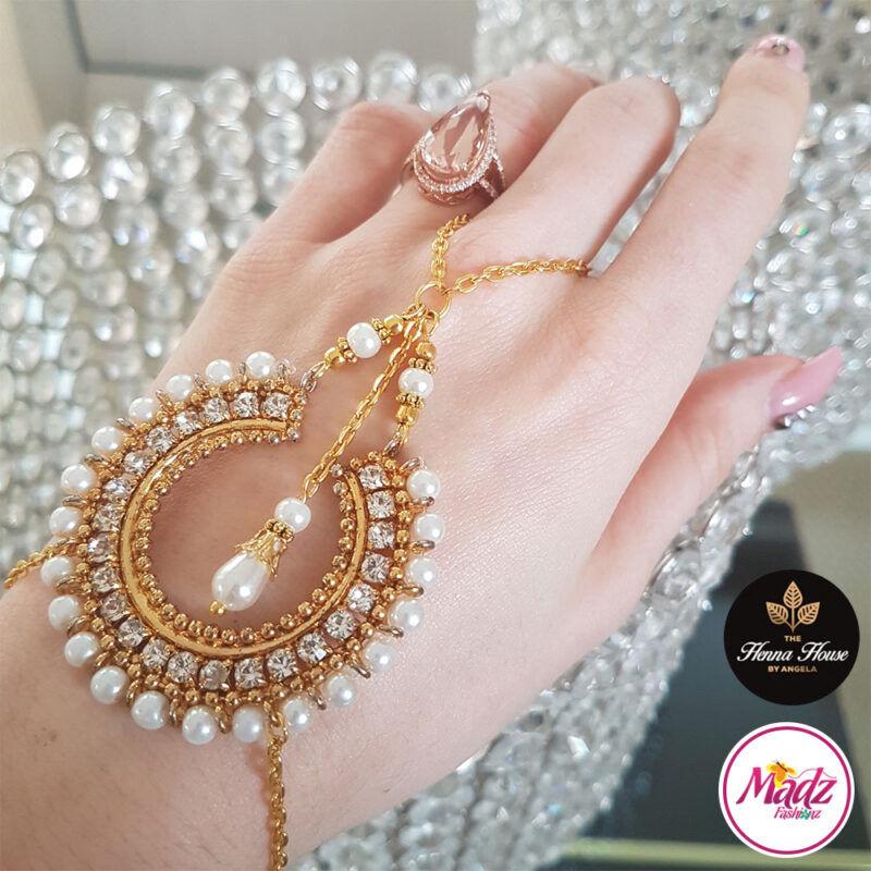 Madz Fashionz UK: Hennabyang Asian Bespoke Kundan Handchain Slave Bracelet Gold Pearl White