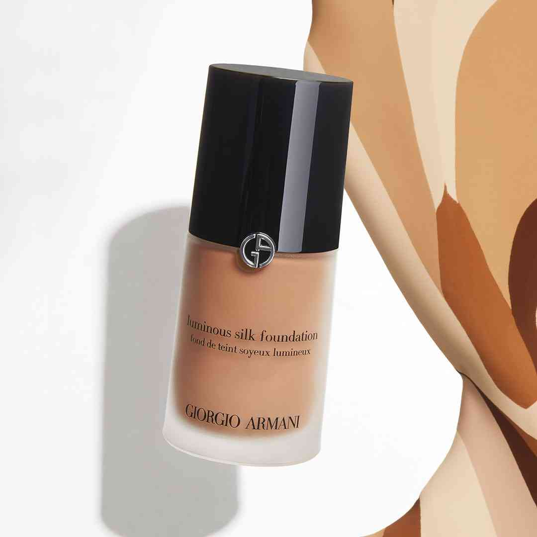 Armani_Foundation_Carousel_COMP_RC_01