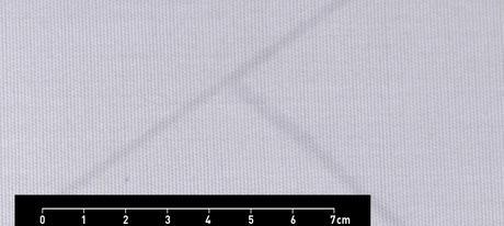 weißes Textil mit weißen Streifen und Bemaßung von 0 bis 7 cm