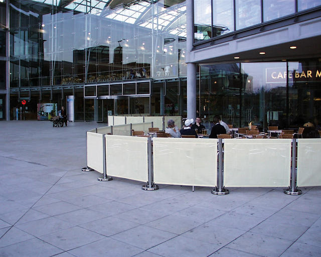 Good reasons for the cafe barrier perceived privacy