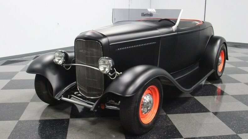 hot rod 1932 Ford Roadster Replica
