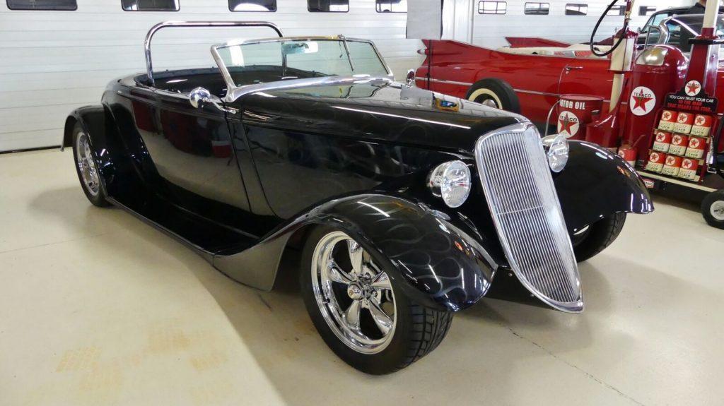 modern 1933 Ford Roadster Replica